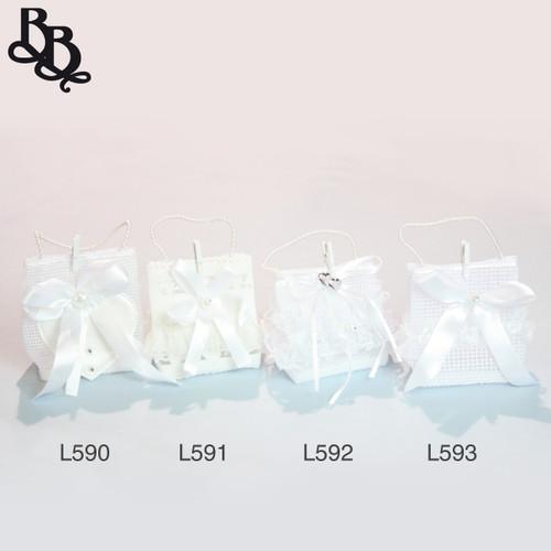 L593 White Bomboniere Gift Bag with Lace Ribbon Diamante