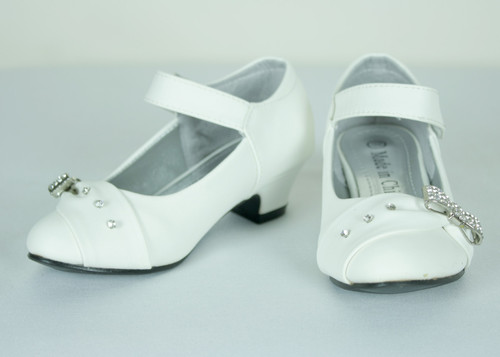 G404 Girls White Faux Leather Formal Shoe with Rhinestone and Bow Charm
