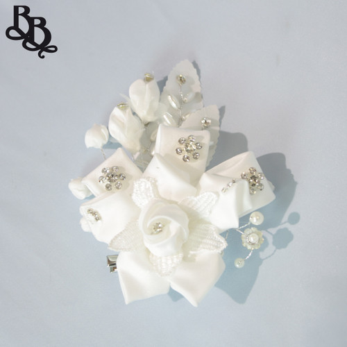 FL11 White Floral Diamante Headpiece