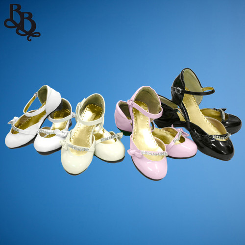 G222 Girls Patent Leather Shoe with diamante