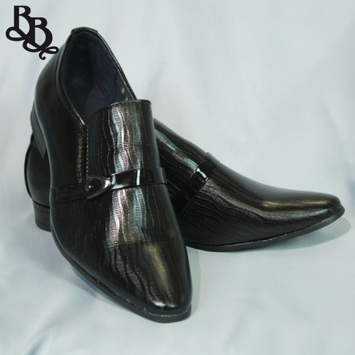 B317 Boys Faux Leather Pointy Shoe