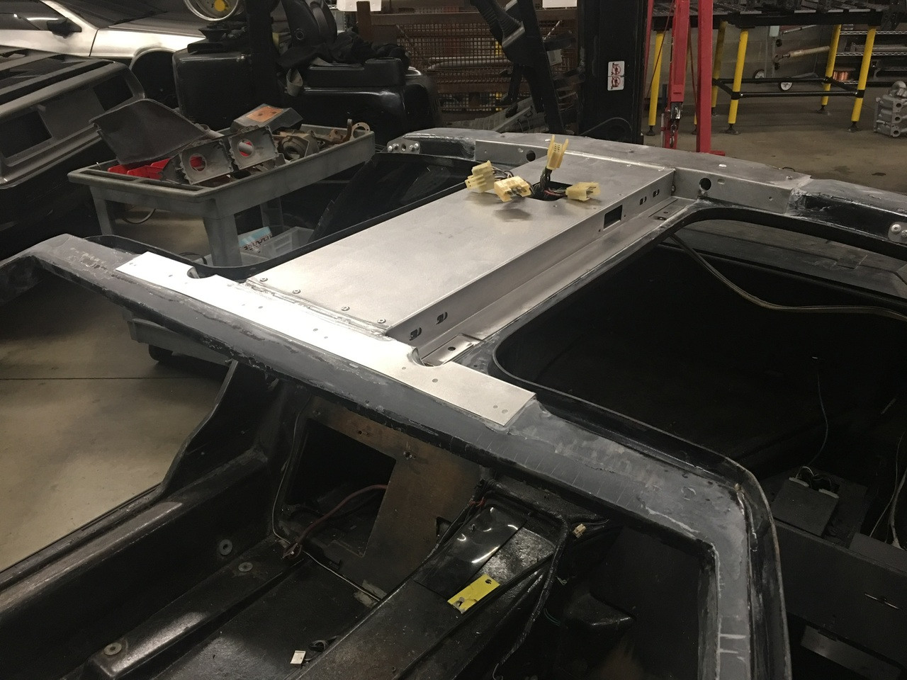 STAINLESS ROOF BOX  W/ NEW WINDSCREEN (INSTALLED)