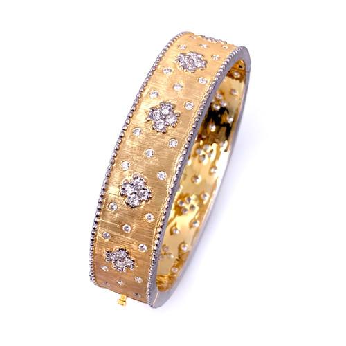 Clover Pattern Vermeil Bangle Bracelet