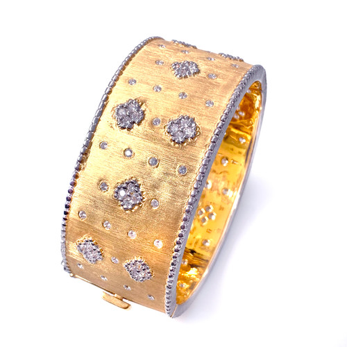 Clover Pattern Vermeil Wide Bangle Bracelet