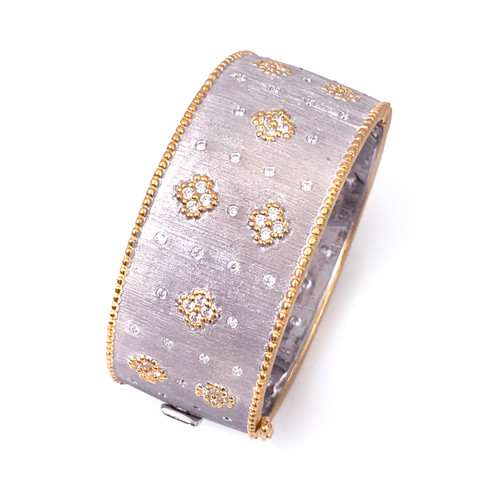 Clover Pattern Two-tone Wide Bangle Bracelet