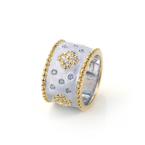Clover Pattern Wide Band Two Tone Ring