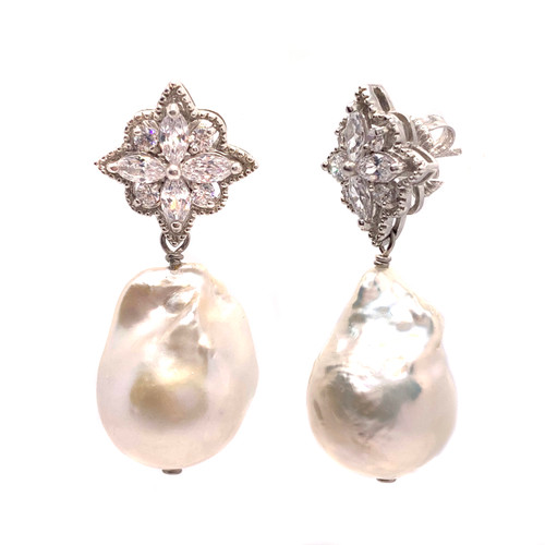 Flower Shape Top with Cultured Baroque Pearl Drop Earrings
