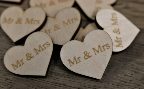Table Confetti Mr and Mrs
