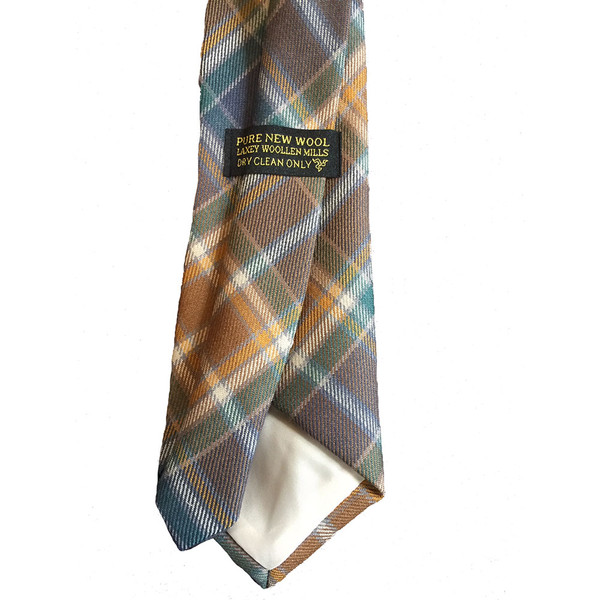 Isle of Man hunting tartan tie