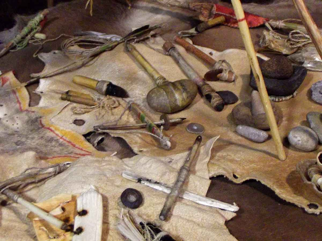 Native American Made: Miniature Hand Made Man's Camp Set - Clubs