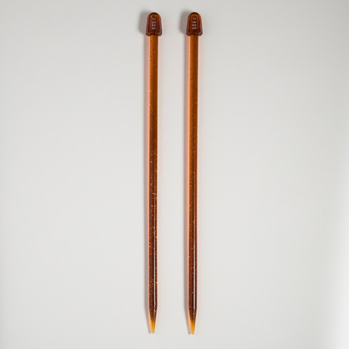 Knitting needles – 8 mm / 11 US