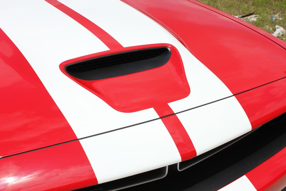 Front of red Dodge Challenger RT Hemi Stripes 15 CHALLENGE RALLY 2015-2020 2021