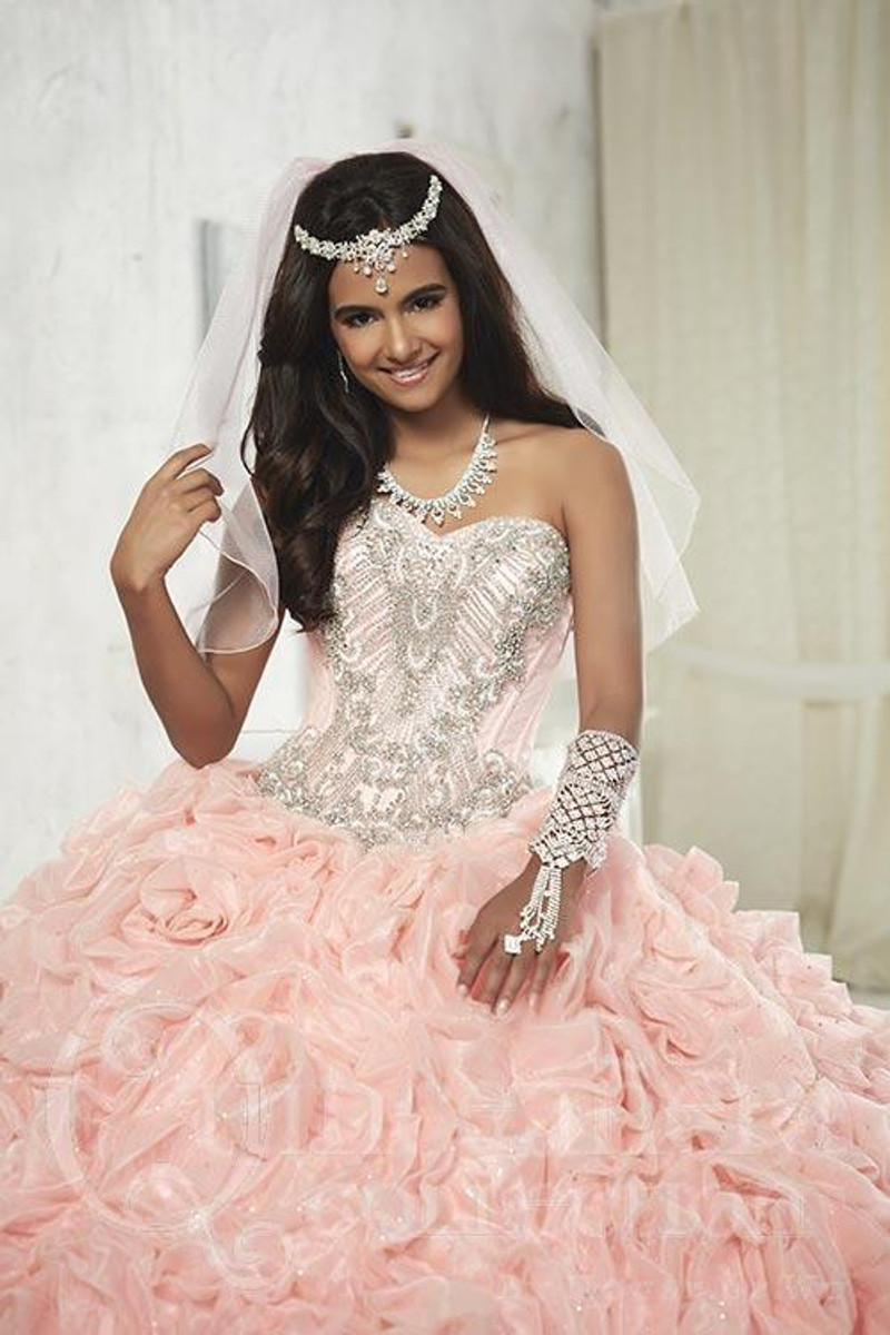 This quince dress comes in pink/pink.