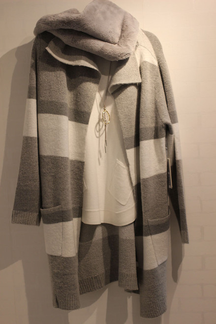 DKR  AKW442 Sweater