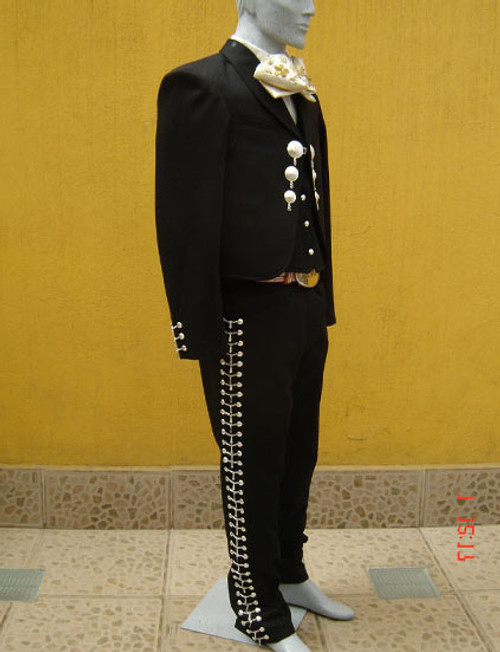 Trajes (Call For Pricing) $350.00-950.00 depending on design/style