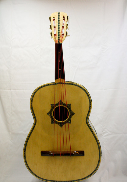 La Tradición Serenata Guitarrón (Machine Heads)