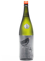 This is a Daiginjo Sake. This is the excellent sake that balances a refined taste and rich fragrance.