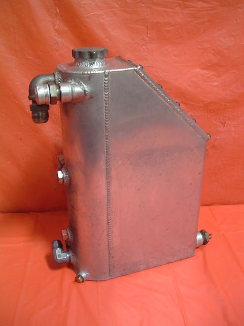 Lefthander / Oval Craft dry sump oil tank