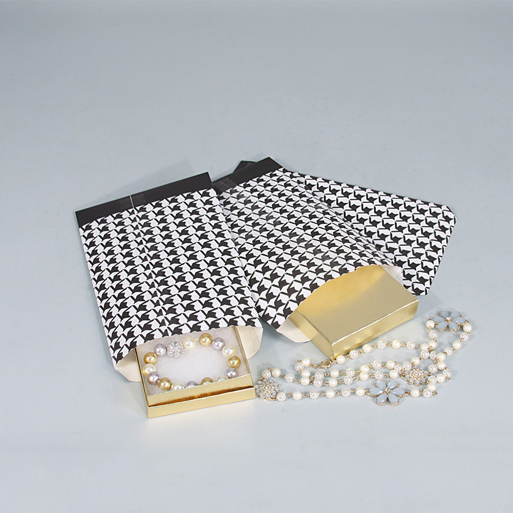 Paper gift bag (Houndstooth)-Black,(Choose from various sizes),Price for 100 Pieces.