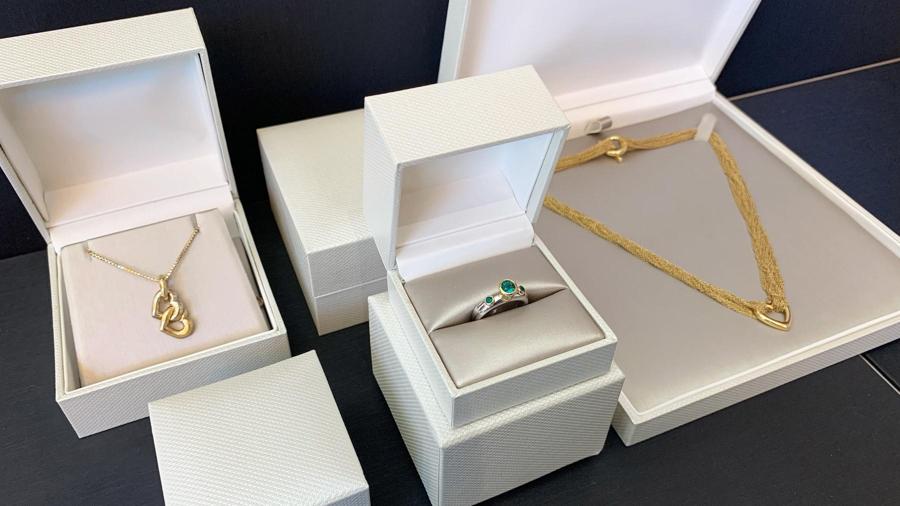 beige-textured-jewelry-boxes-web3.jpg
