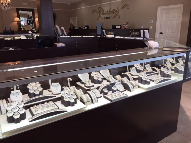 charlottes-edsbox-jewelry-displays-4.jpg