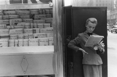 louis stettner elbowing out of town newsstand