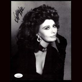 1990 Sophia Loren Hand Signed 7x9.5 Photo Authenticated Autograph JSA CERTIFIED