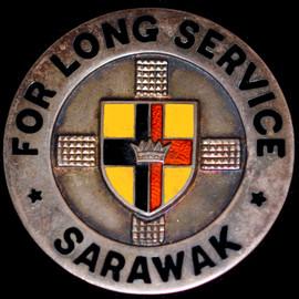 SARAWAK FOR LONG SERVICE PIN BADGE, SILVER HALLMARKED BIRMINGHAM 1954 (45MM) SCA