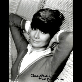 Certified Audrey Hepburn Signed Autographed 8x10 Photo Portrait - PSA - Rare