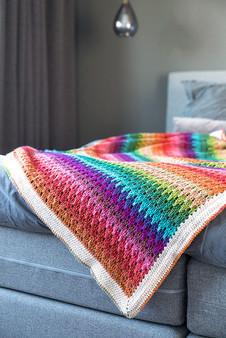 Big Larksfoot Rainbow Blanket - Downloadable Pattern