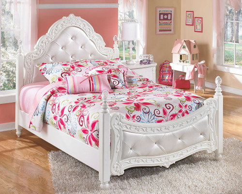 Exquisite White Full Poster Bed
