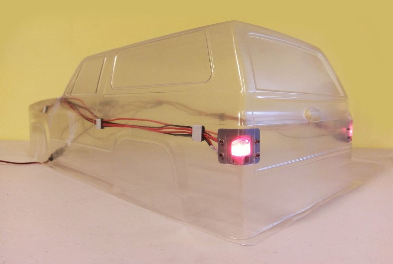 Rear LED Light Bracket / Housing for Vaterra 1986 K5 Blazer Ascender Body