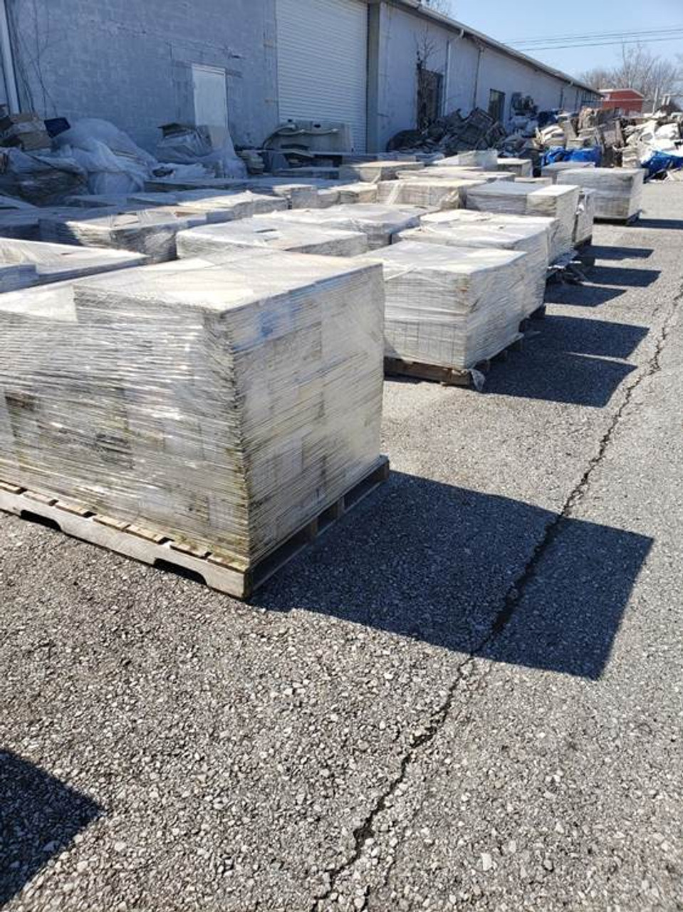 MIXED LOOSE TILE | TRUCKLOAD 105