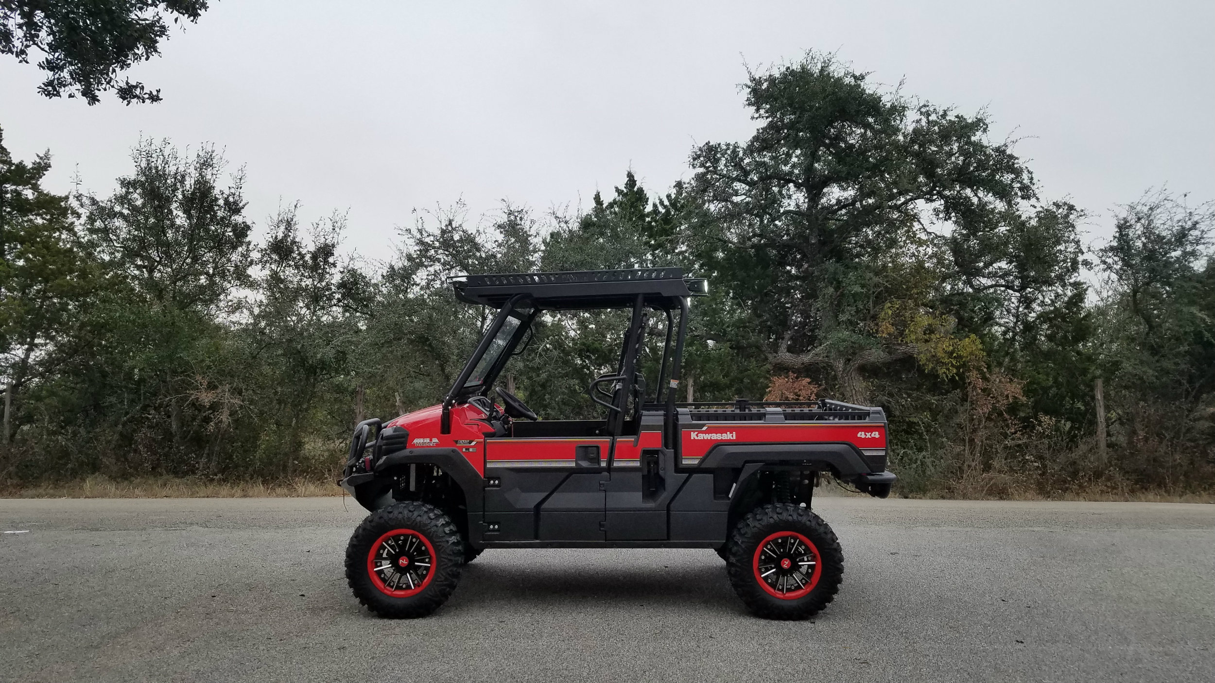 kawasaki-mule-pro-fx-metal-roof-and-outfit-with-bumpers-lift-and-windshield.jpg