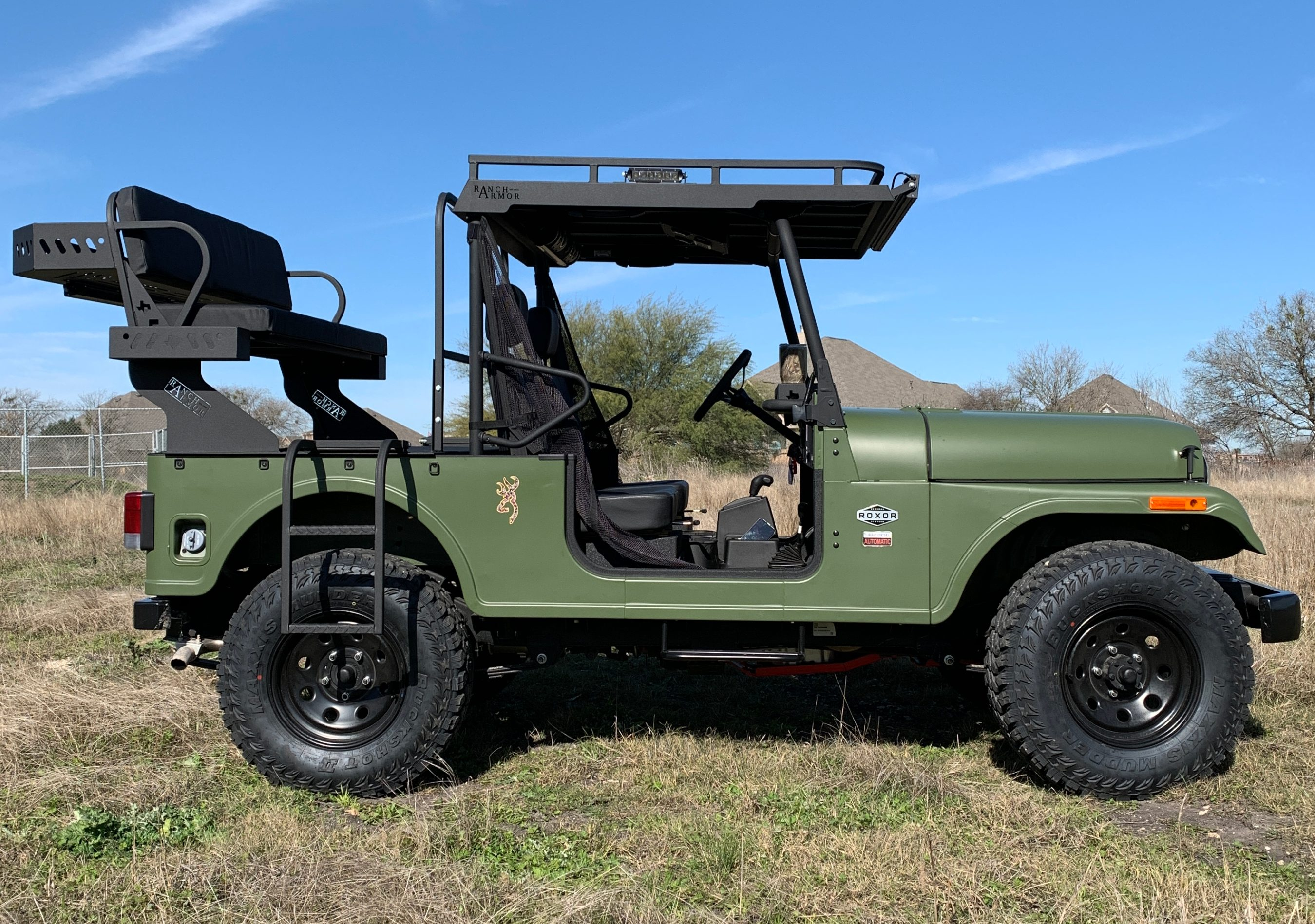 mahindra-roxor-outfit-ranch-armor-metal-top-high-seat-and-front-dash-box.jpg