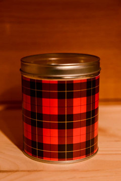 Aunt Sadie's - Plaid Christmas Candle
