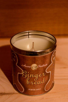 Aunt Sadie's - Gingerbread Candle