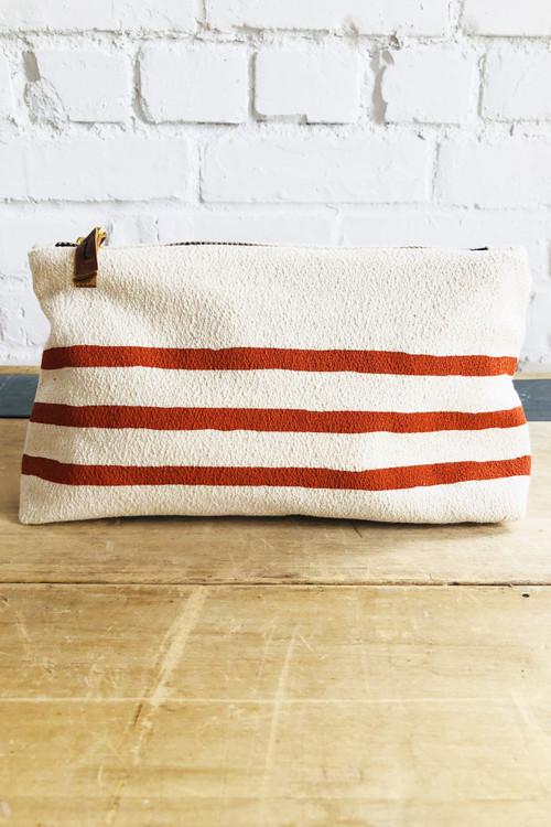 Erin Flett - Navy 3 Lines Wristlet Zipper Bag (Tomato)