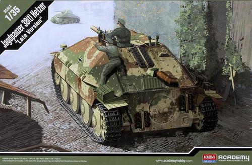 Academy Model: 1/35 Scale Model Kit - Jagdpanzer 38(t) Hetzer