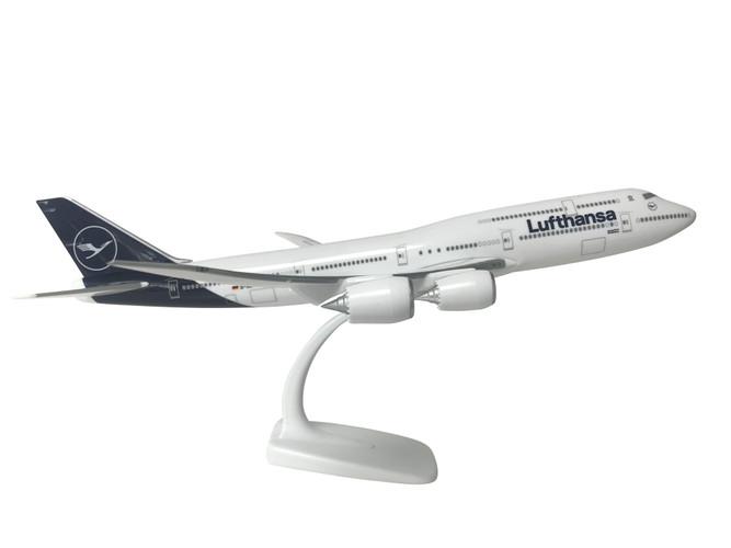 Lufthansa Boeing 747-8 New Livery