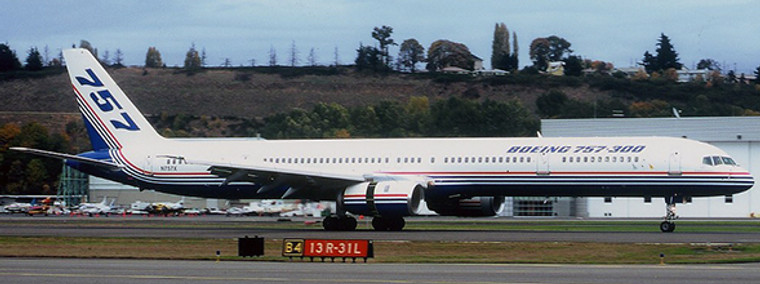 JC Wings Boeing 757-300 House Colours N757X 1/200 LH2240
