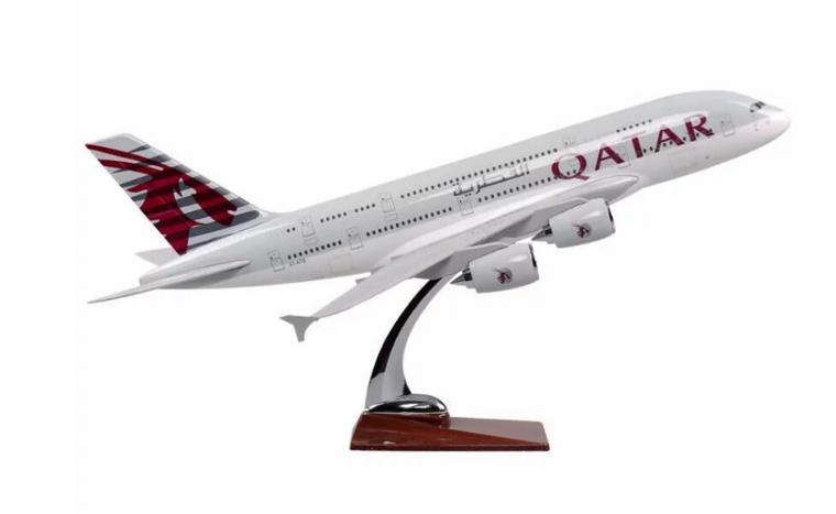 Qatar Airways Airbus A380-800 Resin Aircraft Model (36 cm) 1/200