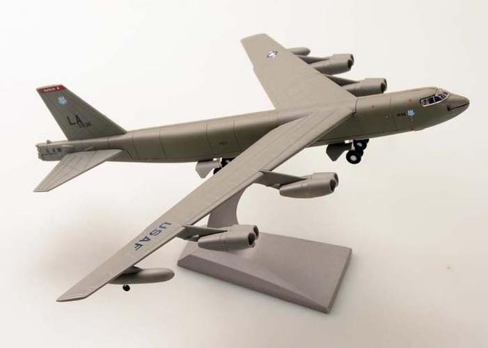 AMS Military USAF Boeing B-52 Stratofortress USA 1/200 AML016