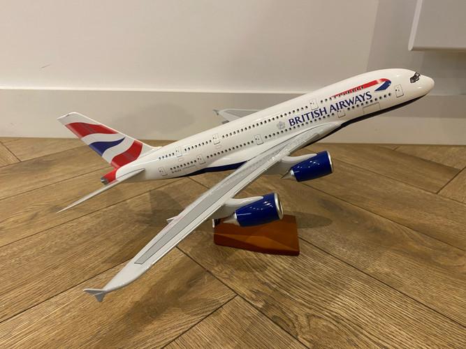 British Airways Airbus A380-800 Resin Aircraft Model (47 cm) 1/160