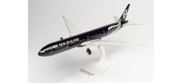 "Herpa Air New Zealand Boeing 777-300ER – ZK-OKQ ""All Blacks"" 1/200 612777"