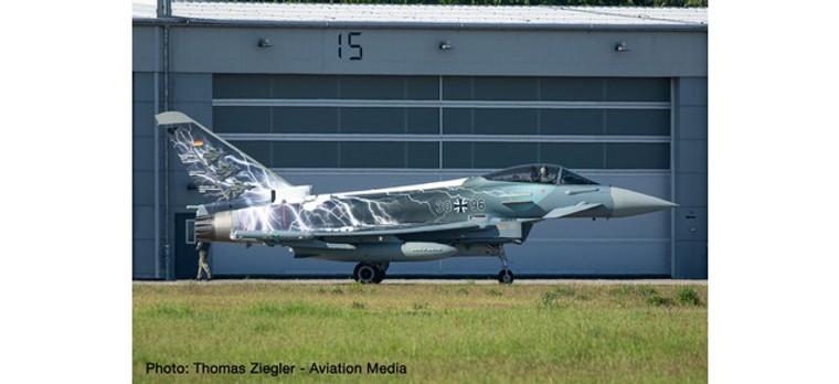 "Herpa Luftwaffe Eurofighter Typhoon - TaktLwG 31 (Tactical Wing 31) , Nörvenich Air Base ""Sword of Boelcke"" 30+96 1/72 580663"