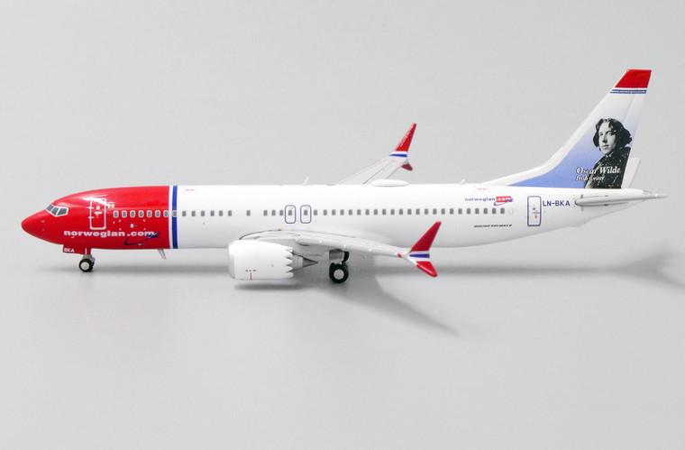 JC Wings Norwegian Boeing 737-8Max Oscar Wilde LN-BKA 1/400 XX4151