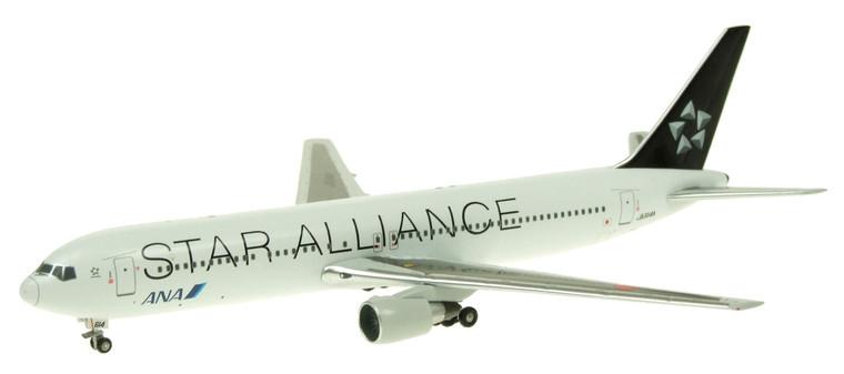 Apollo 400 ANA Boeing 767-381ER 'Star Alliance' Diecast 1/400