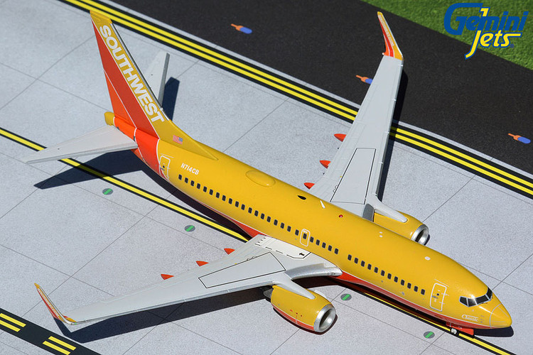 GeminiJets Southwest Boeing 737-700 Classic N714CB 1/200 G2SWA961