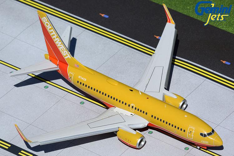GeminiJets Southwest Boeing 737-700 Flaps Down Classic N714CB 1/200 G2SWA961F